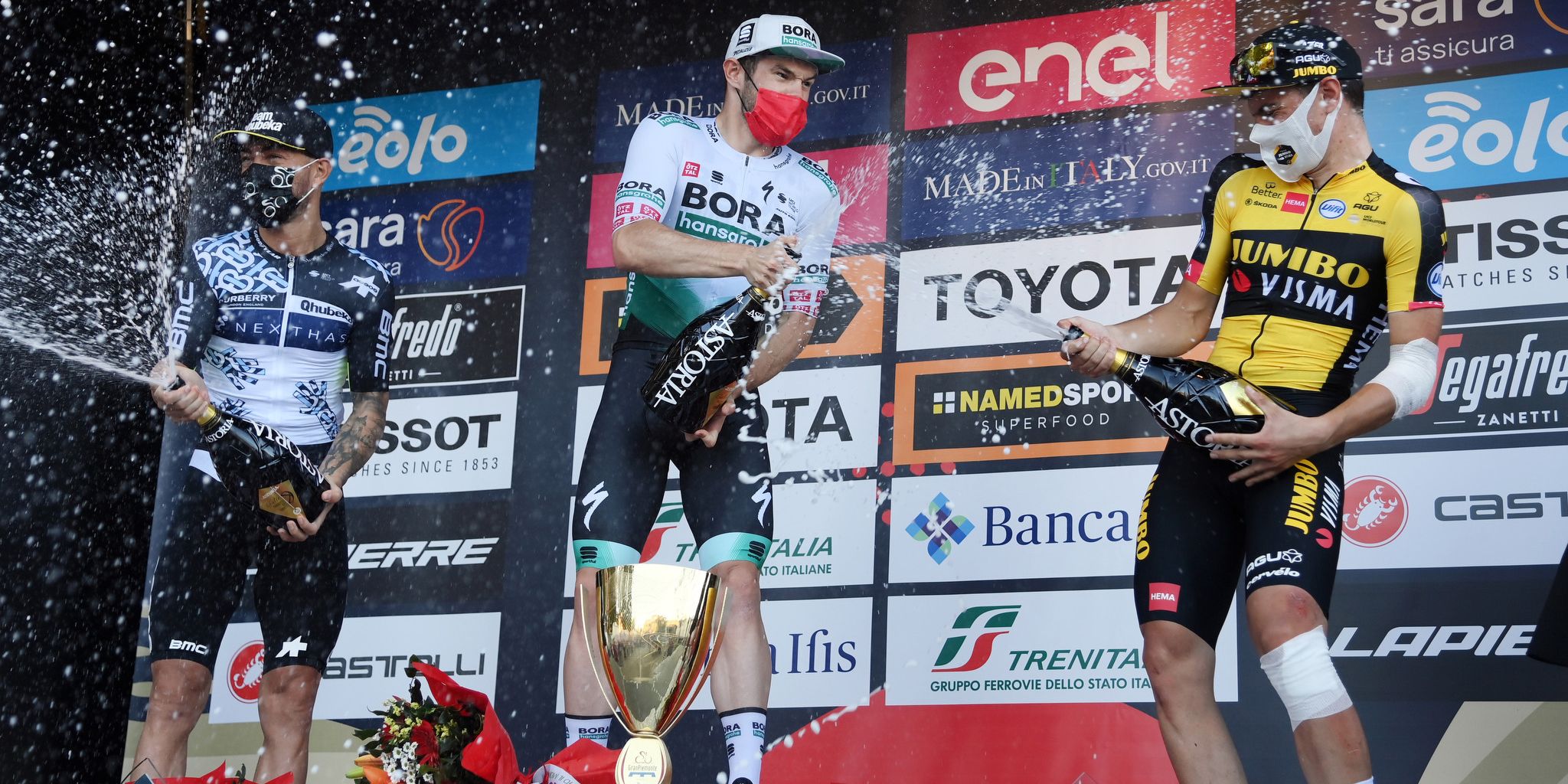 Track cycling star Matthew Walls showcased his speed to fellow sprinting stars on the finishing line of Borgosesia to win Il Gran Piemonte